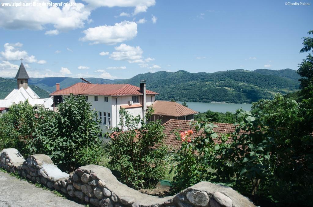 Manastirea Sft Ana si peisajul de sus