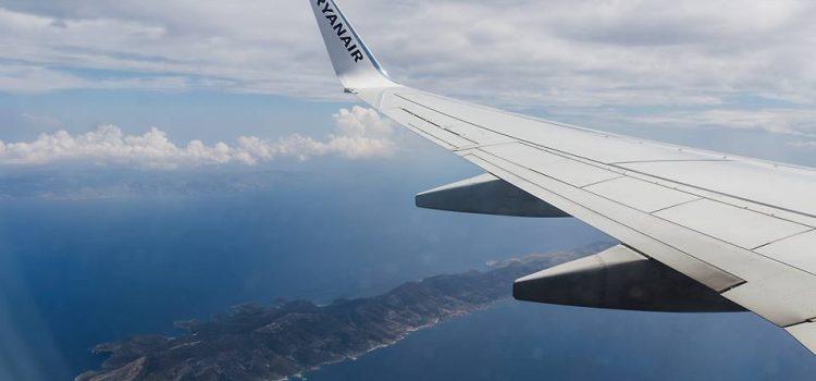 """Cum poti zbura pe bani putini! Bilete de avion """"low cost"""""""